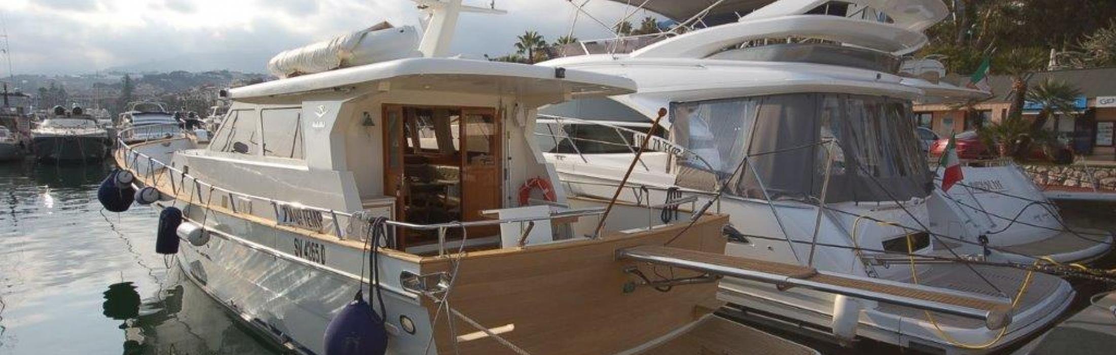 Riviera Yacht Alaska 17