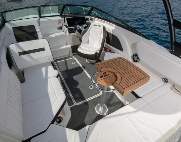 Sea Ray 230 Sunsport HB